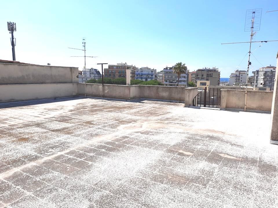 Appartamento in vendita a Nettuno, 5 locali, zona Località: CENTRO, prezzo € 130.000   PortaleAgenzieImmobiliari.it