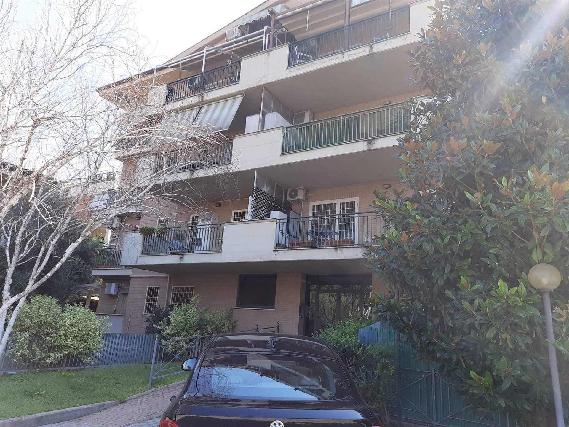 Appartamento in vendita a Roma, 3 locali, zona Zona: 37 . Morena - Ciampino - Trigoria - Falcognana, prezzo € 210.000 | CambioCasa.it
