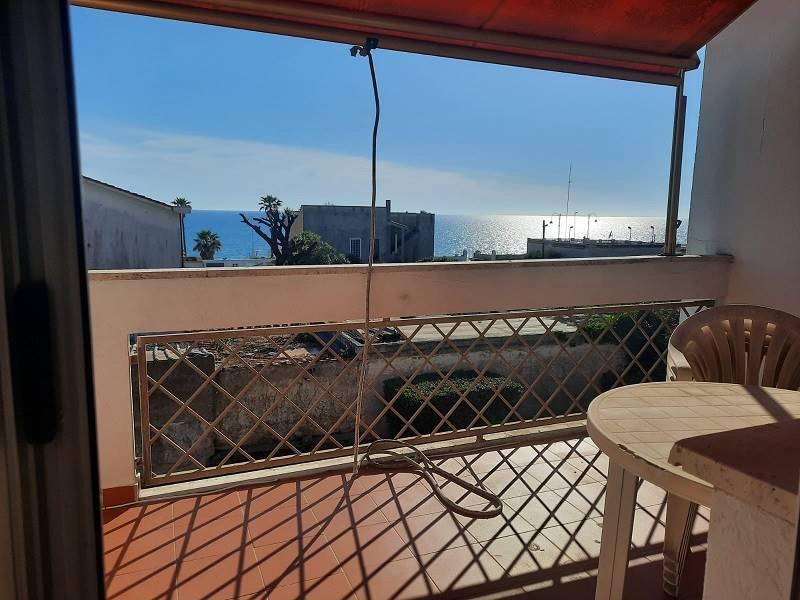 Appartamento in affitto a Anzio, 4 locali, zona Località: ANZIO COLONIA, prezzo € 1.500 | CambioCasa.it