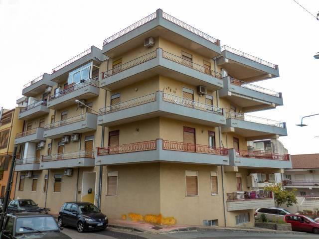 Appartamento in vendita a Santa Teresa di Riva, 3 locali, prezzo € 120.000 | CambioCasa.it