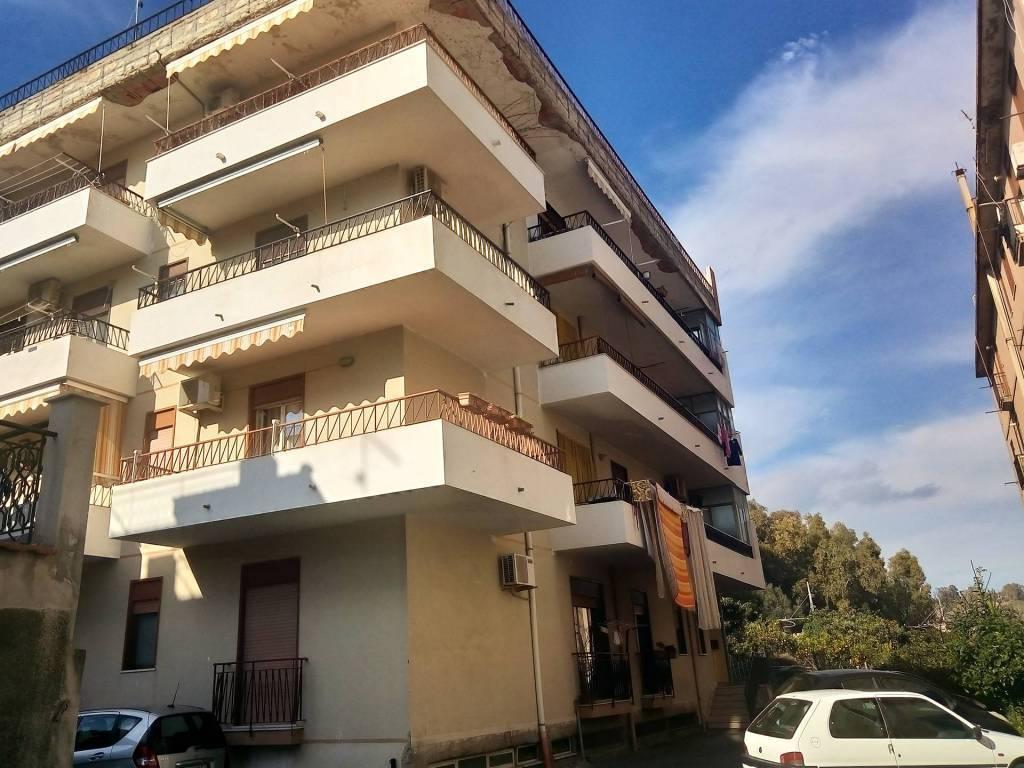 Appartamento in vendita a Alì Terme, 4 locali, prezzo € 100.000 | CambioCasa.it