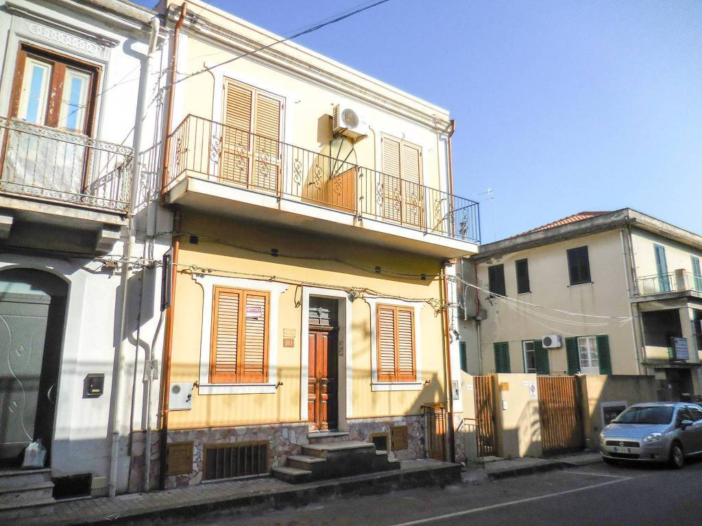 Appartamento in vendita a Alì Terme, 3 locali, prezzo € 75.000 | CambioCasa.it