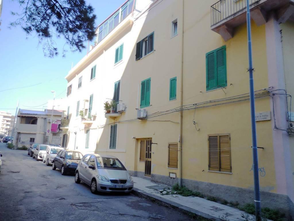 Appartamento in vendita a Messina, 3 locali, zona Località: PREFETTURA / PIAZZA CASTRONOVO, prezzo € 47.000   CambioCasa.it