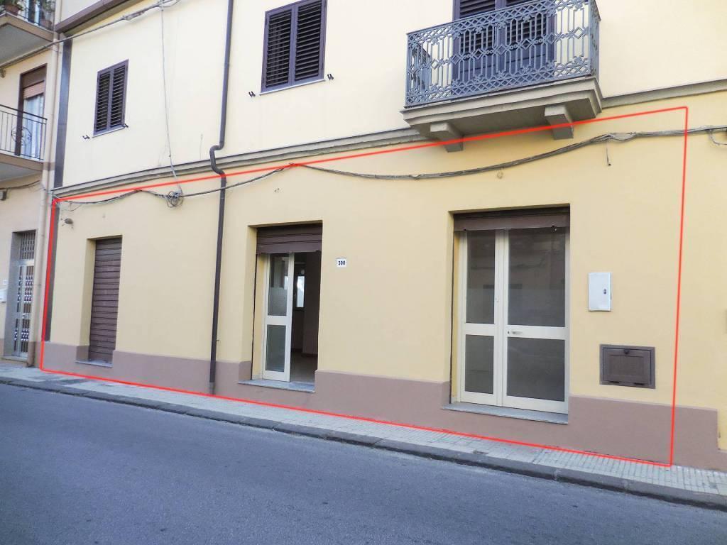 Negozio / Locale in vendita a Alì Terme, 3 locali, prezzo € 145.000 | CambioCasa.it