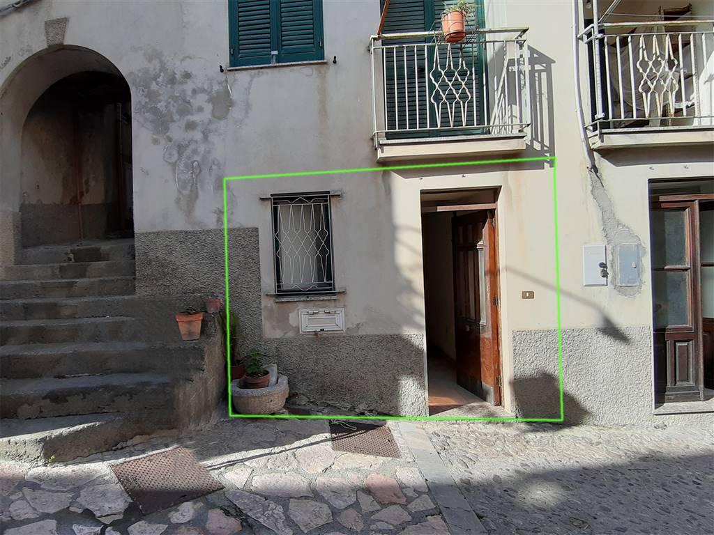Appartamento in vendita a Fiumedinisi, 2 locali, prezzo € 15.000   CambioCasa.it