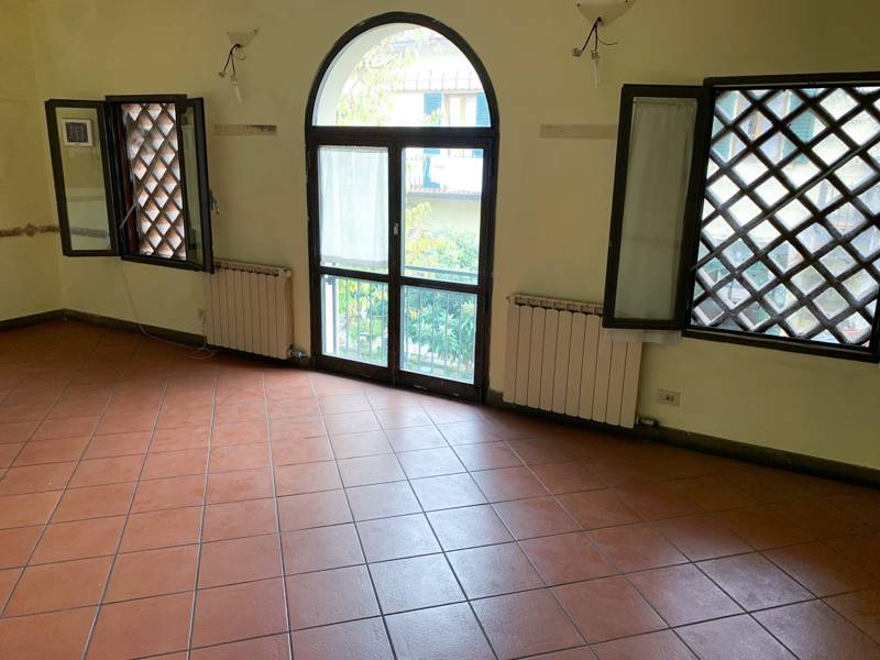 LUNGARNO FRANCESCO FERRUCCI, FIRENZE, Restaurant for sale of 300 Sq. mt., Good condition, Heating Individual heating system, Epi: 0 kwh/m3 year,