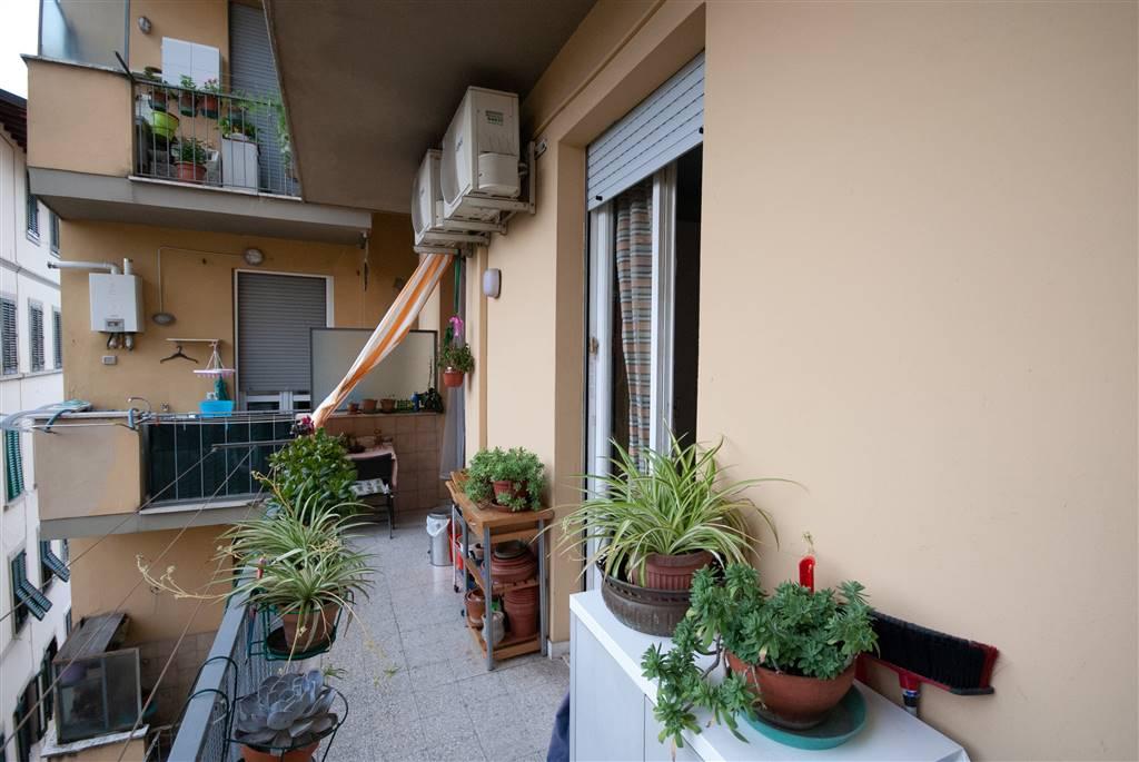 STATUTO, FIRENZE, Appartamento in vendita di 164 Mq, Da ristrutturare, Riscaldamento Centralizzato, posto al piano 3° su 6, composto da: 7 Vani,