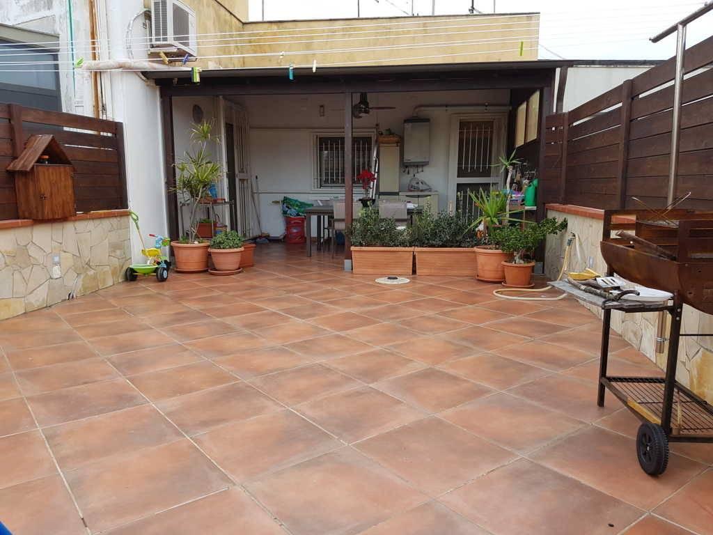 Appartamento in vendita a Siracusa, 5 locali, zona Località: TEOCRITO, prezzo € 170.000 | PortaleAgenzieImmobiliari.it