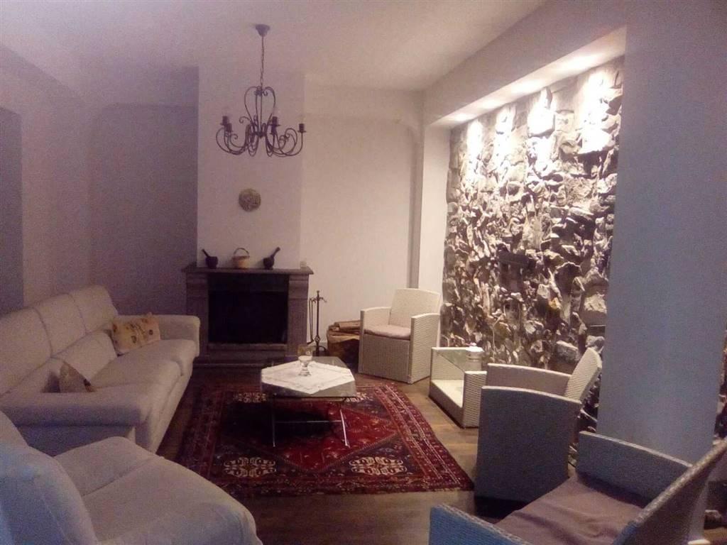 Appartamento, San Giovanni La Punta, in ottime condizioni