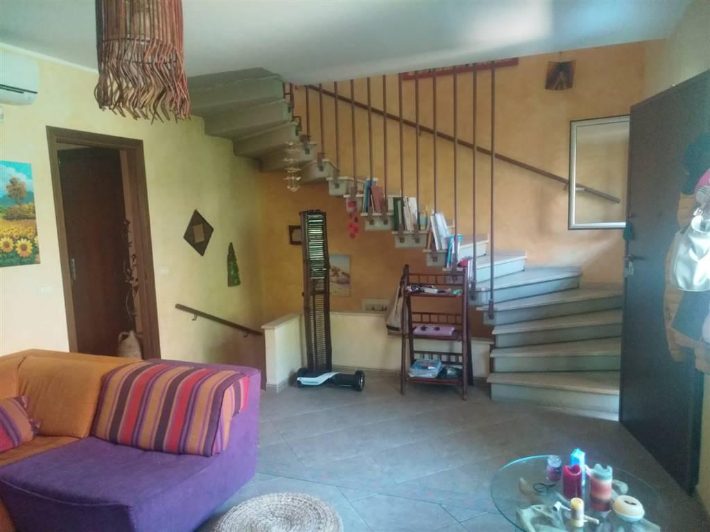 Villa, Catania, in ottime condizioni