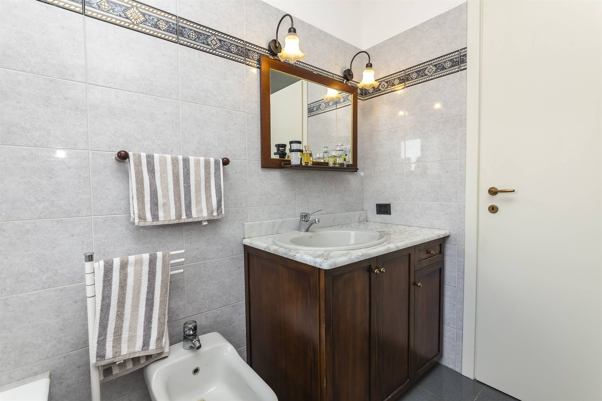VELATE, USMATE VELATE, Apartment for sale of 119 Sq. mt., Heating Individual heating system, Energetic class: G, Epi: 261,28 kwh/m2 year, placed at