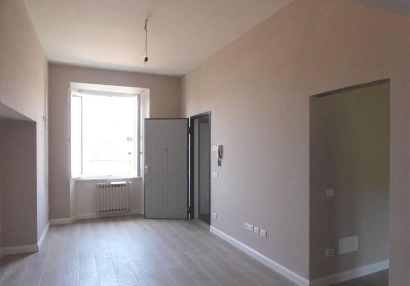 CENTRO STORICO, PISTOIA, Appartamento in vendita di 90 Mq, Ristrutturato, Riscaldamento Autonomo, Classe energetica: G, posto al piano 4°, composto