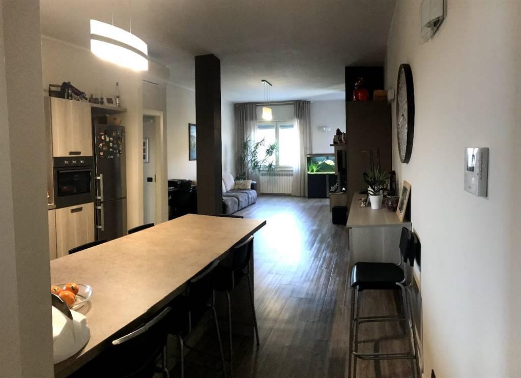 Appartamento in vendita a Moniga del Garda, 3 locali, prezzo € 240.000 | CambioCasa.it