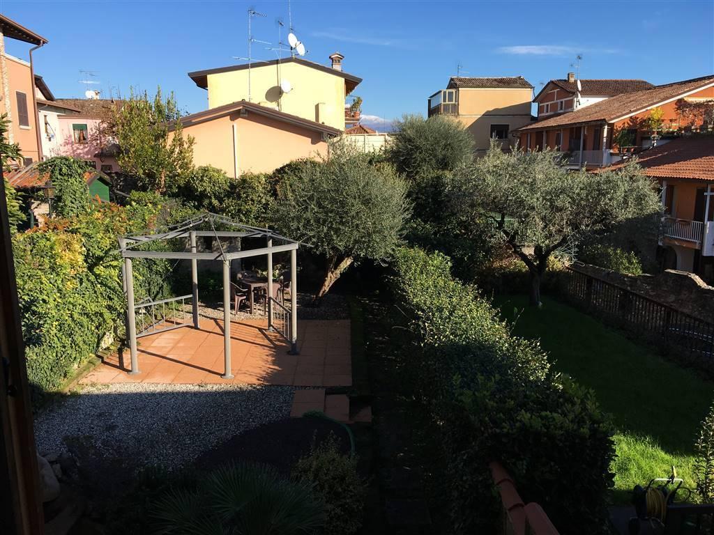 Villa a schiera, Moniga Del Garda, abitabile