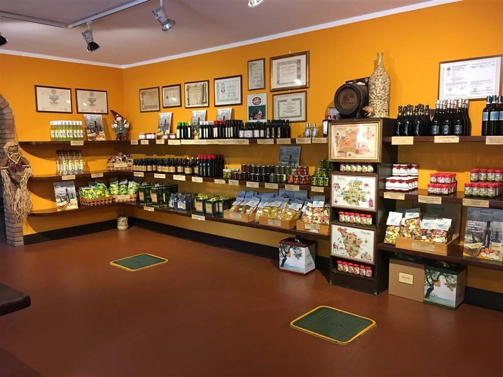 Foto interni locale commerciale 1