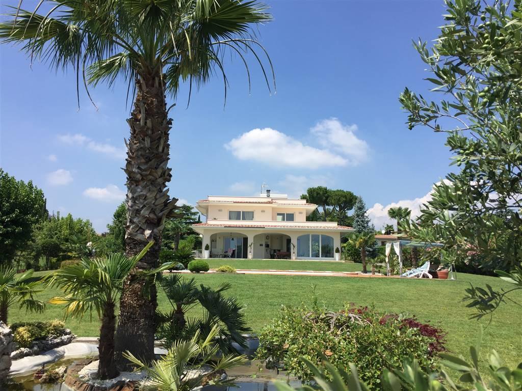 Villa in vendita a Moniga del Garda, 5 locali, Trattative riservate | PortaleAgenzieImmobiliari.it