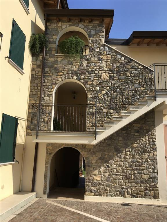 Appartamento in vendita a Puegnago sul Garda, 3 locali, zona a, prezzo € 195.000 | PortaleAgenzieImmobiliari.it