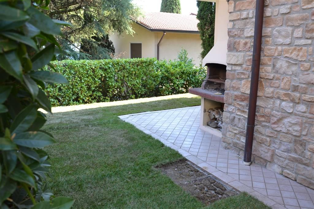 Appartamento in vendita a Moniga del Garda, 3 locali, prezzo € 400.000 | CambioCasa.it
