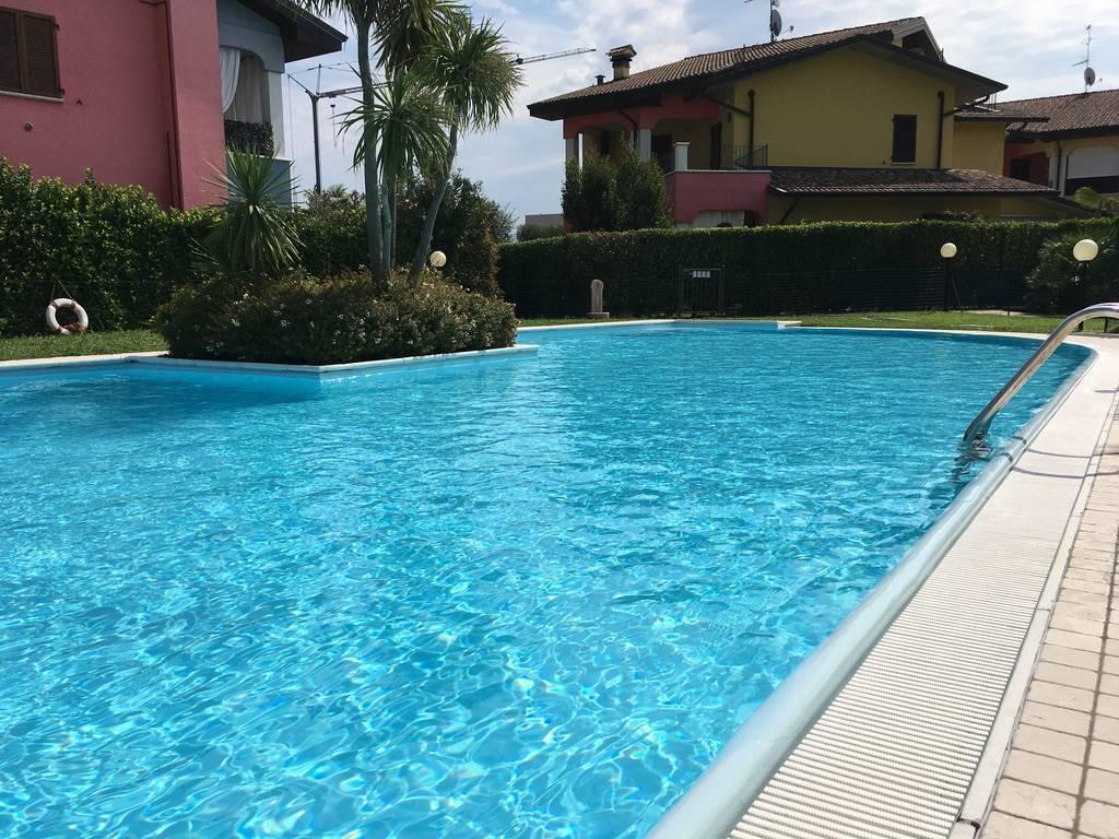 Appartamento in affitto a Moniga del Garda, 3 locali, prezzo € 6.320 | CambioCasa.it