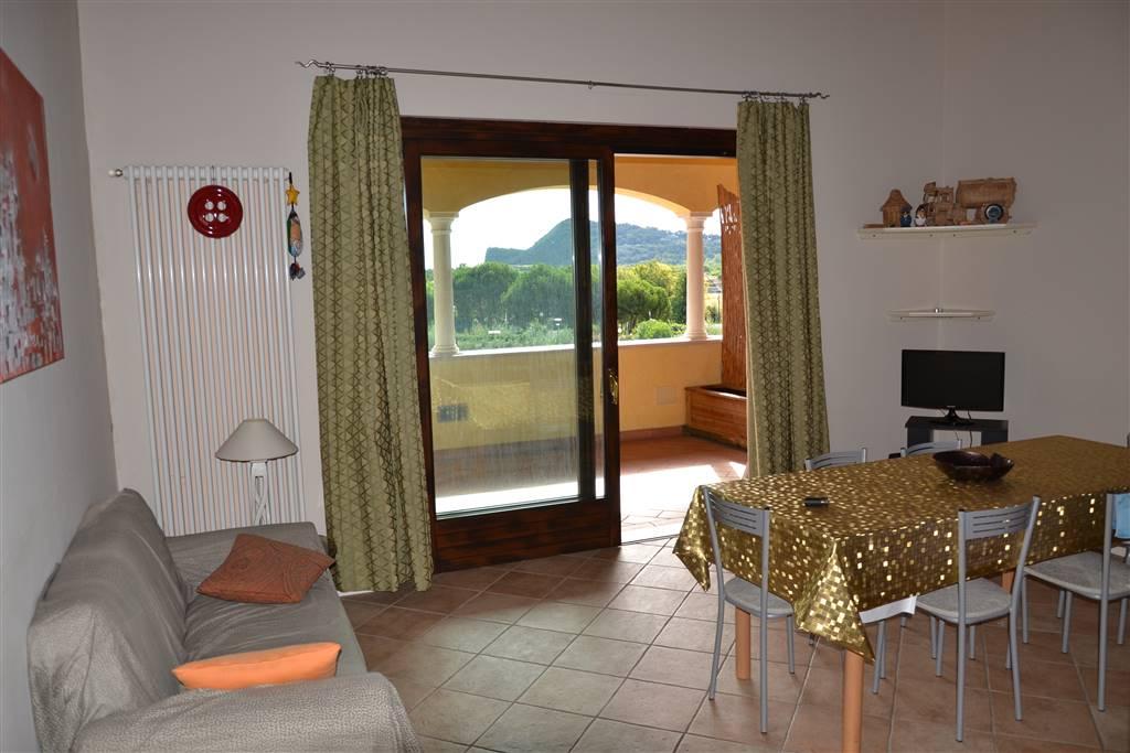 Appartamento in vendita a Manerba del Garda, 3 locali, prezzo € 128.000 | CambioCasa.it