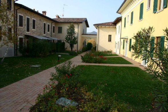 Appartamento in vendita a Soiano del Lago, 3 locali, prezzo € 267.000 | CambioCasa.it