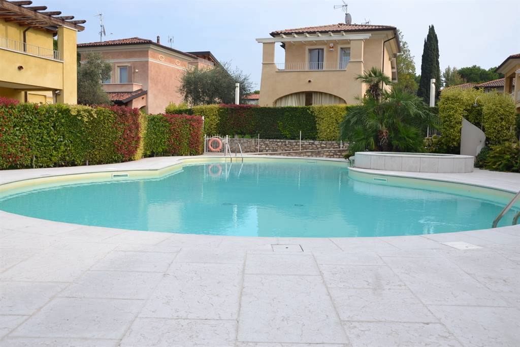 Foto 2° piscina accessibile con quote
