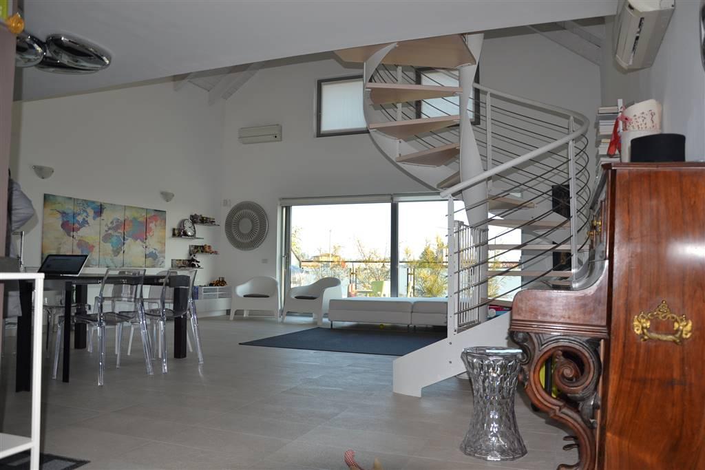 Ufficio / Studio in vendita a Puegnago sul Garda, 3 locali, prezzo € 280.000   PortaleAgenzieImmobiliari.it