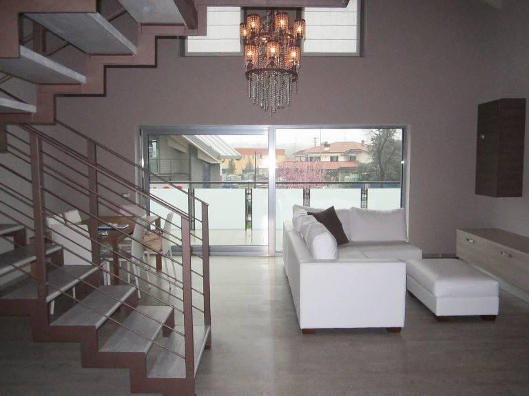 Loft / Openspace in vendita a Puegnago sul Garda, 3 locali, prezzo € 285.000 | CambioCasa.it
