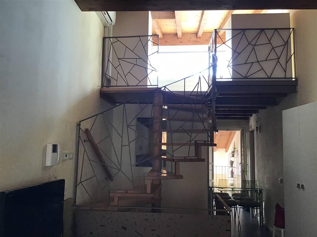 Appartamento in vendita a Salò, 3 locali, prezzo € 265.000 | CambioCasa.it