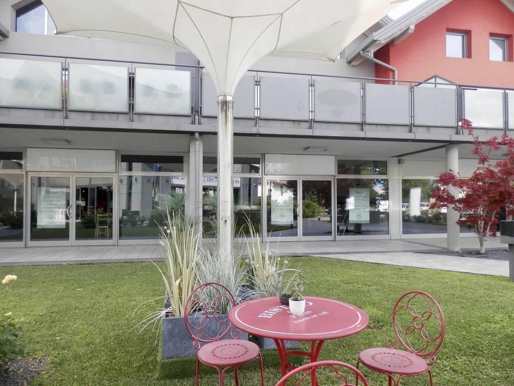 Negozio / Locale in affitto a Puegnago sul Garda, 2 locali, zona a, prezzo € 2.000 | PortaleAgenzieImmobiliari.it