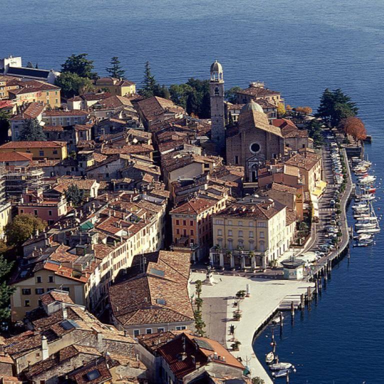 Ufficio / Studio in vendita a Salò, 9999 locali, prezzo € 823.000 | PortaleAgenzieImmobiliari.it