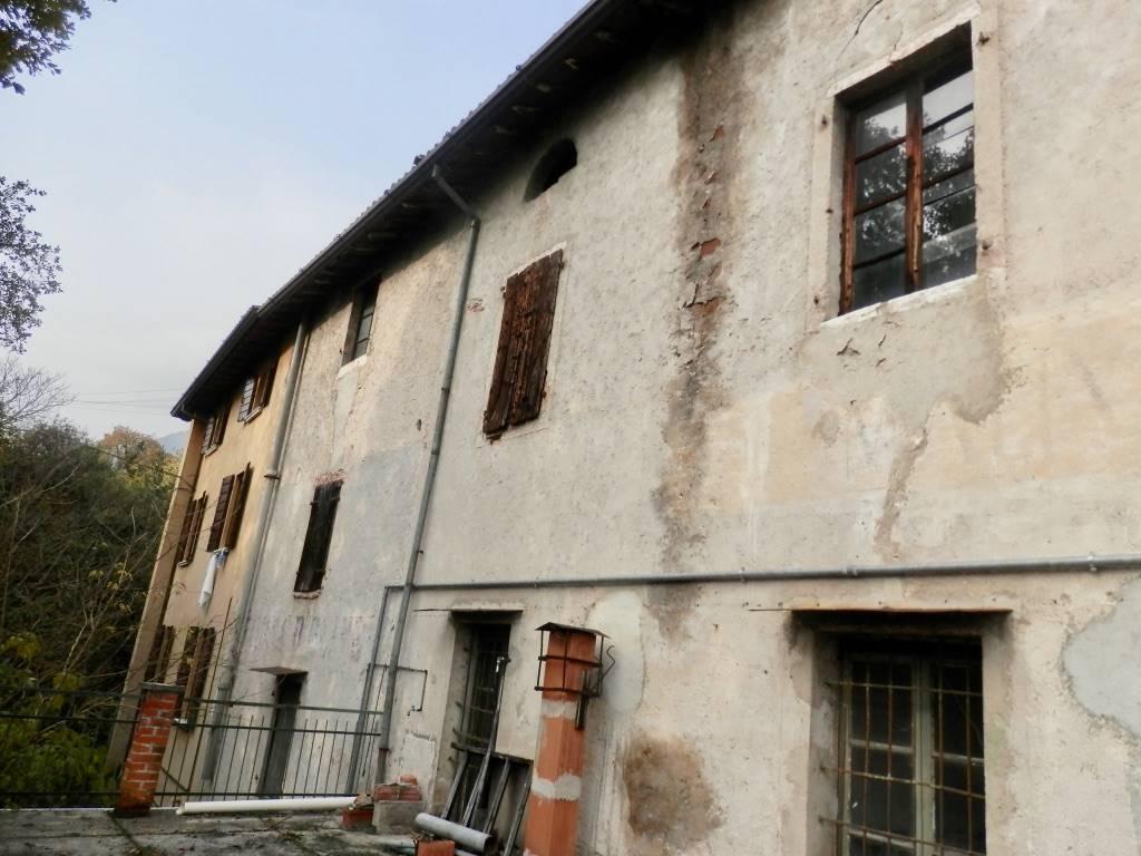 Rustico / Casale in vendita a Gargnano, 3 locali, prezzo € 1.200.000 | CambioCasa.it