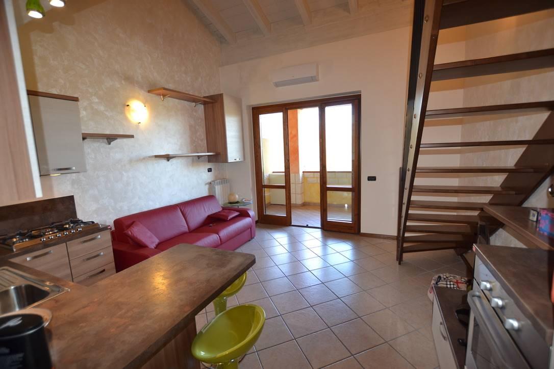 Appartamento in vendita a Puegnago sul Garda, 2 locali, zona Zona: Palude, prezzo € 166.000 | CambioCasa.it