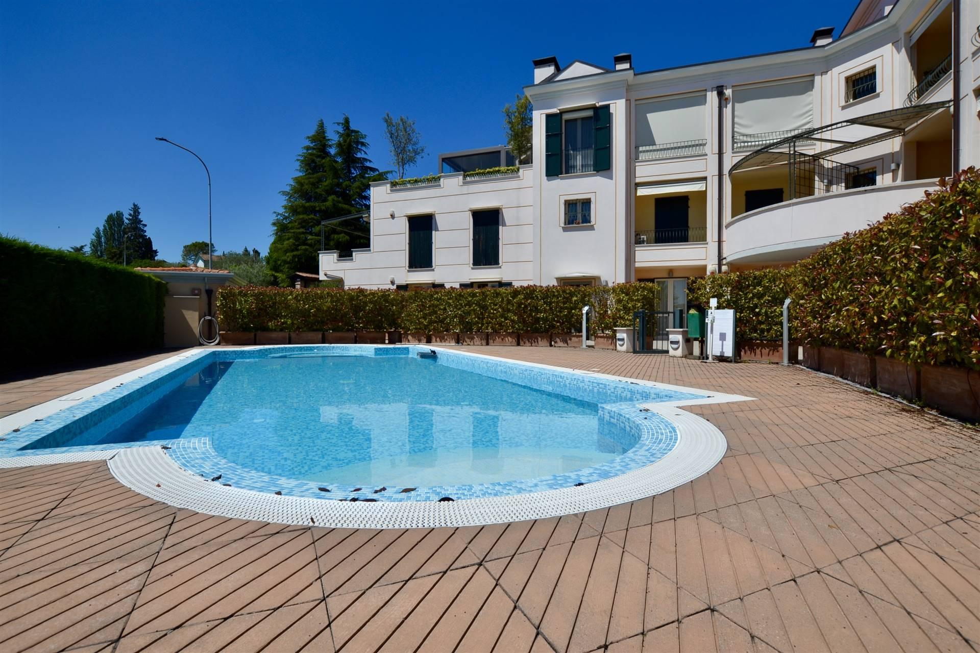 Appartamento in vendita a Padenghe sul Garda, 3 locali, prezzo € 410.000 | PortaleAgenzieImmobiliari.it