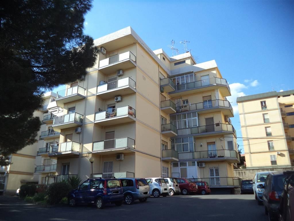 Trilocale in Via Santa Sofia 55, Cibali, Catania