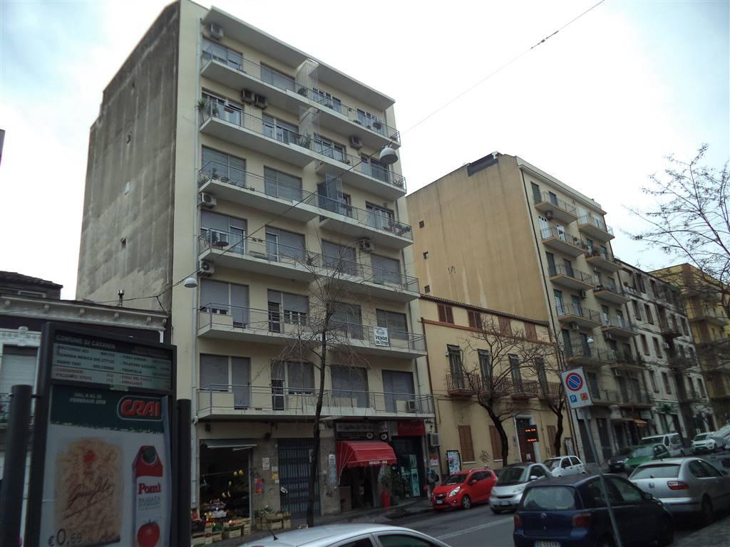 Trilocale in Viale Mario Rapisardi 43, Viale M. Rapisardi - Lavaggi, Catania