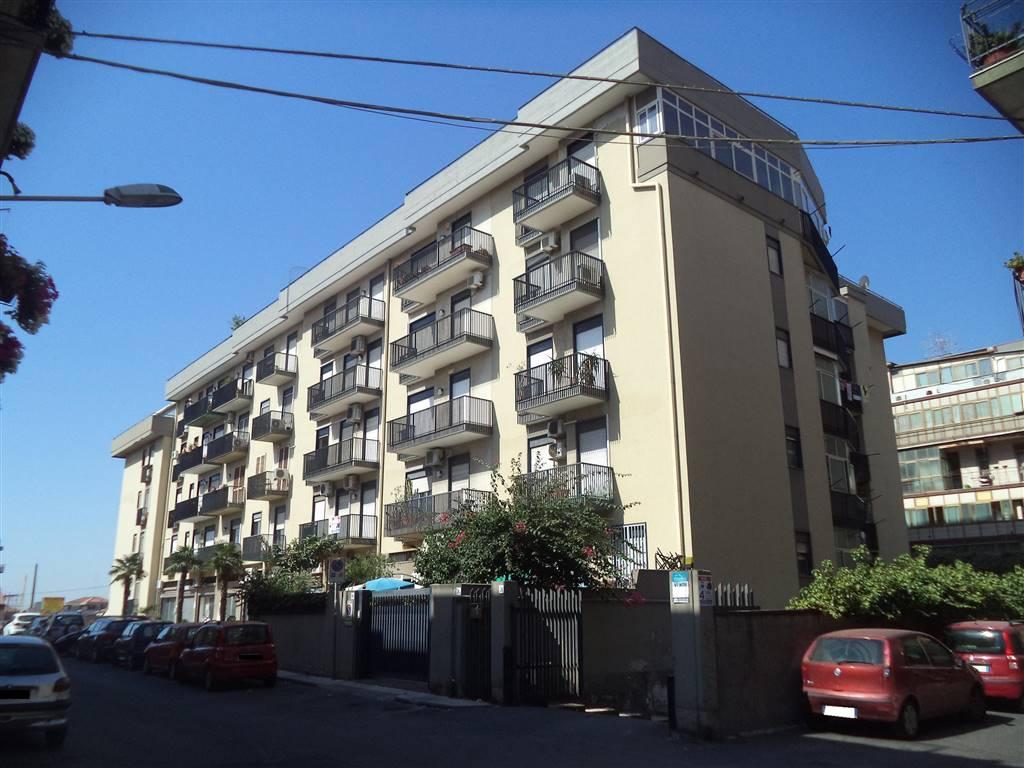 Appartamento in Via Francesco Gallo  26, Viale M. Rapisardi - Lavaggi, Catania