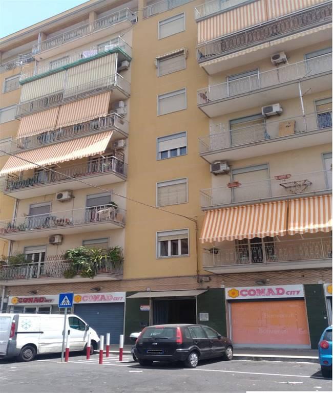 Trilocale, Catania, da ristrutturare