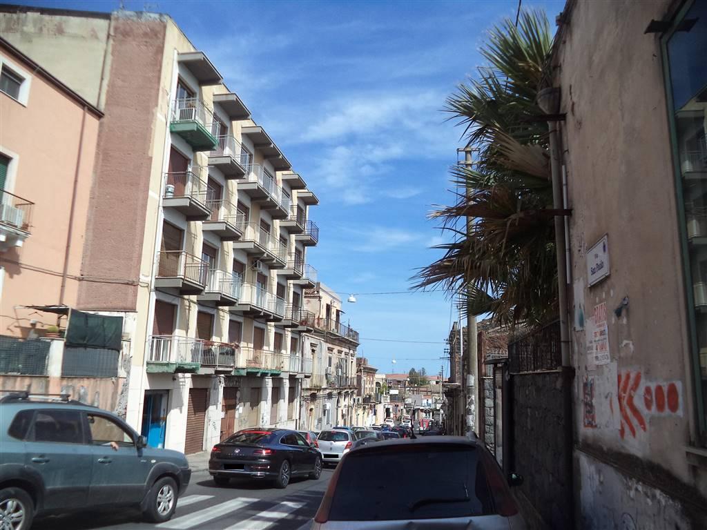 Trilocale in Via San Paolo 34, Cibali, Catania
