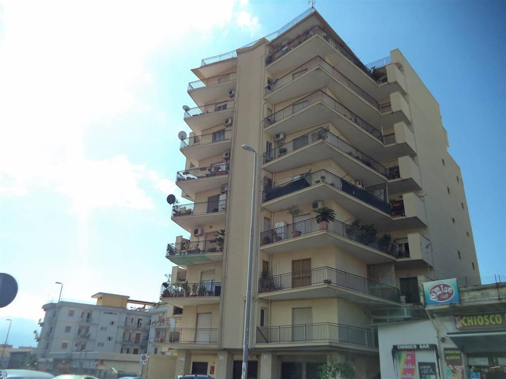 Bilocale in Via Enrico Ferri  15, Catania