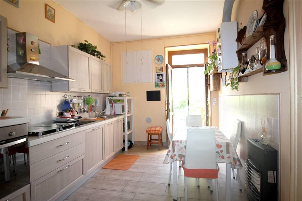 Quadrilocale in Via Santuario D'oropa  67, Semicentro, Biella