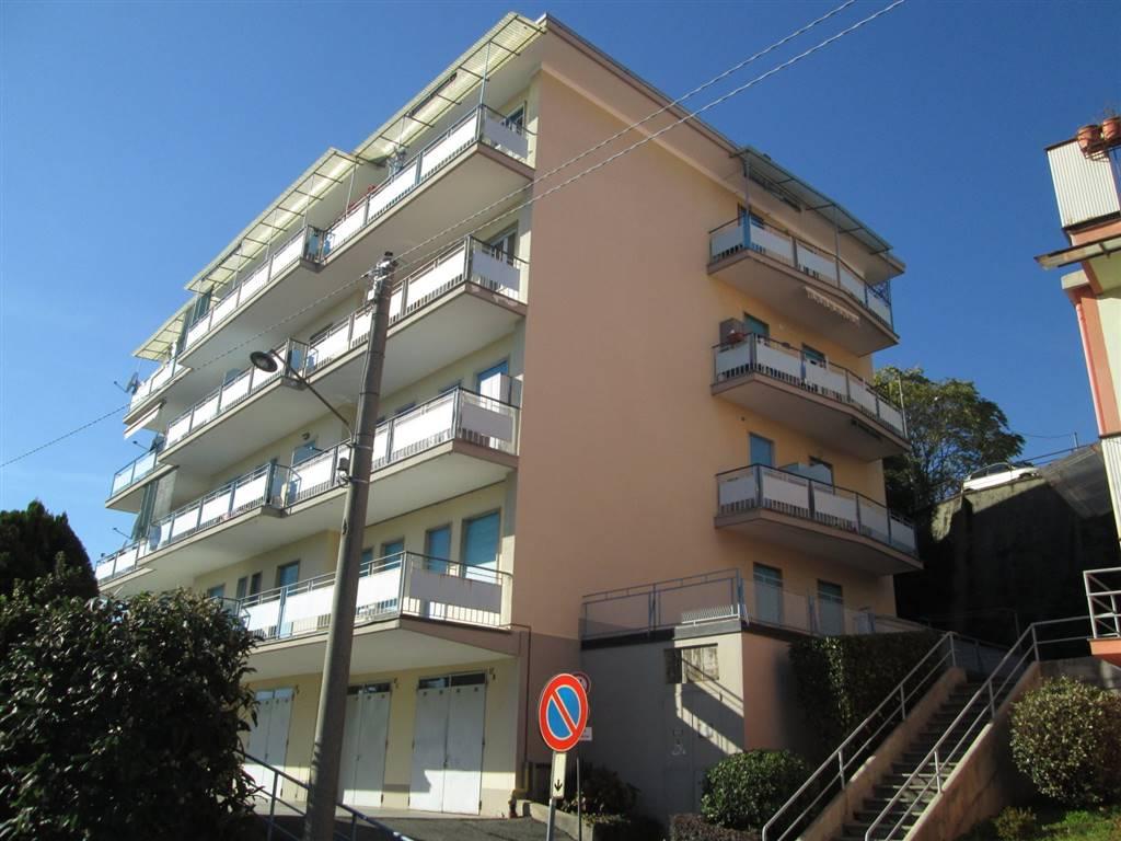 Trilocale in Via G. B. Costanzo  17, Periferia, Biella