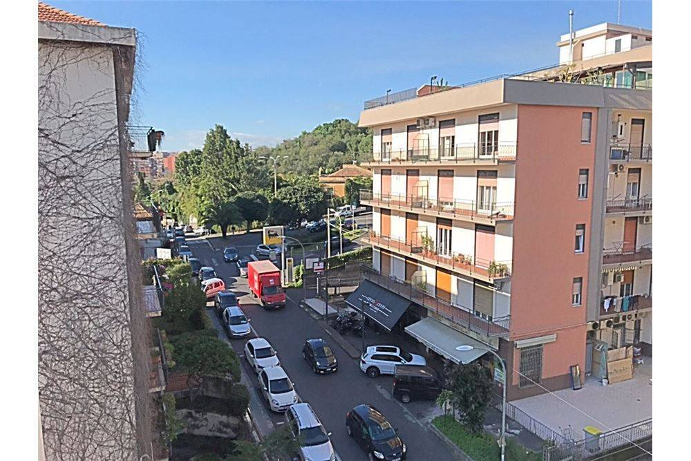 Quadrilocale in Via Novaluce, 16, Catania