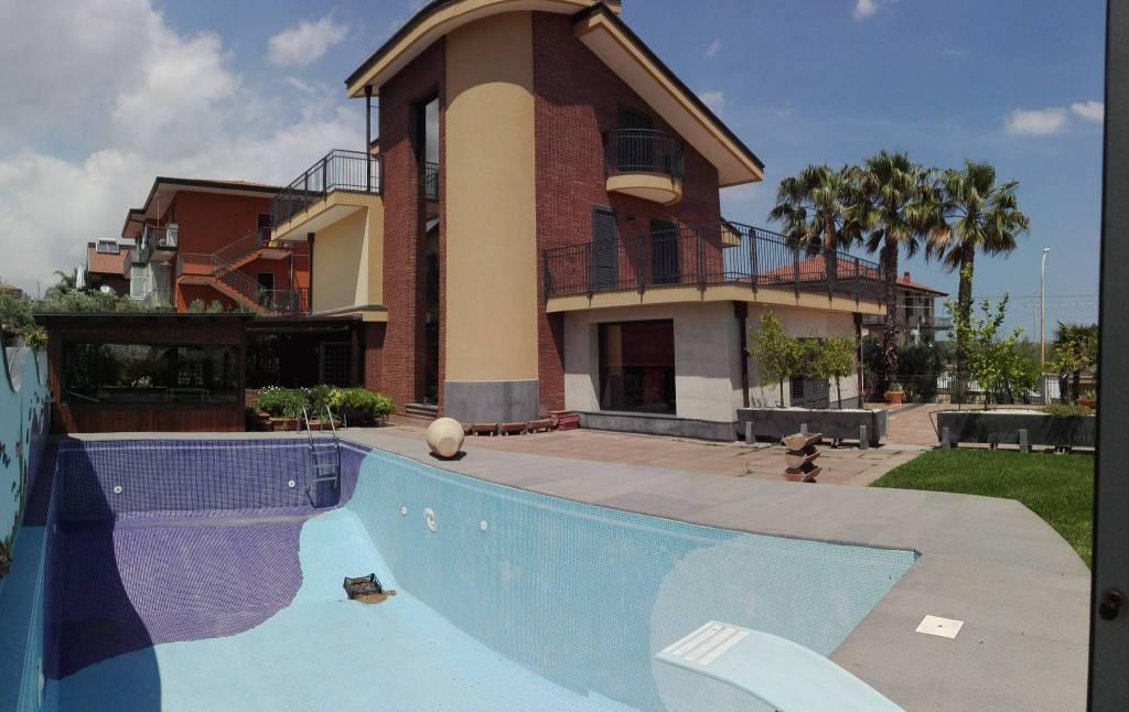 Villa, Misterbianco, in ottime condizioni