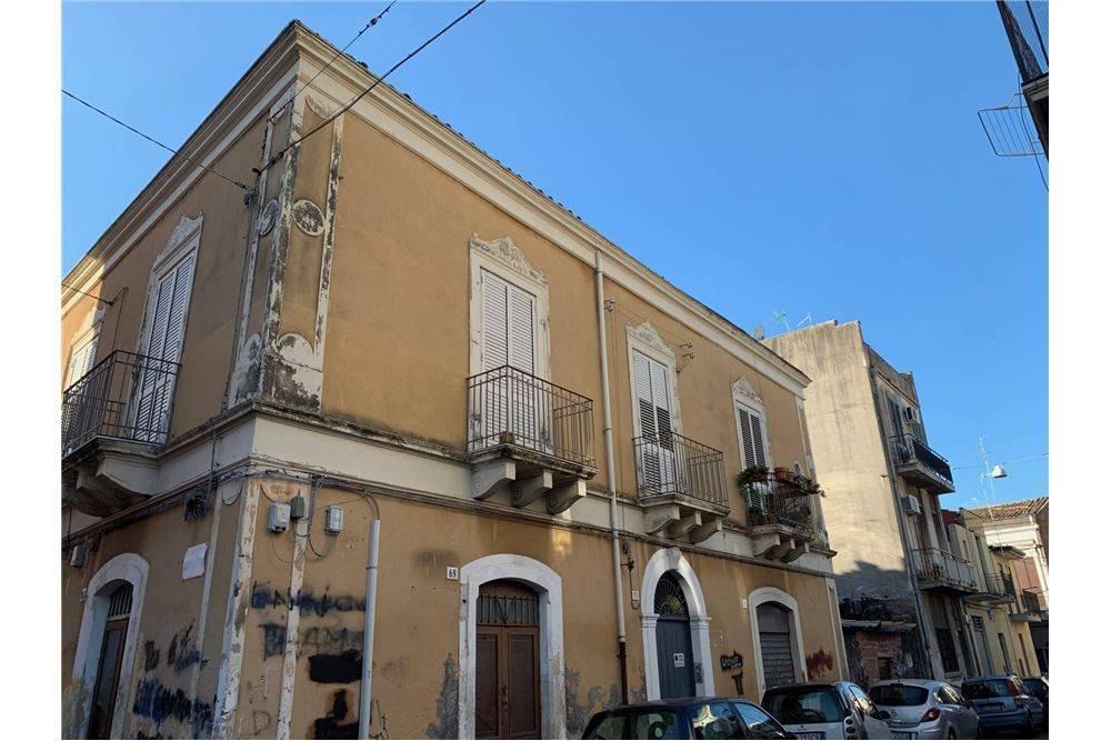 Palazzo in Via Grassi 71, Catania