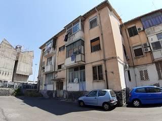 Trilocale, Via Palermo - Nesima, Catania, da ristrutturare