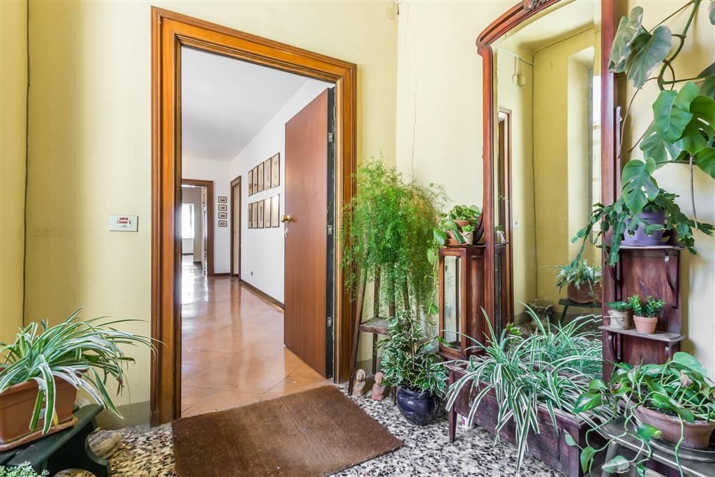 Appartamento in Strada Cairoli  15, Centro Storico, Parma