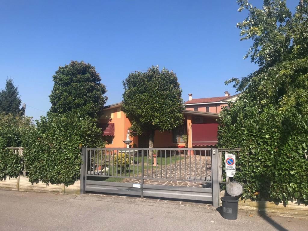 Villa a SERGNANO