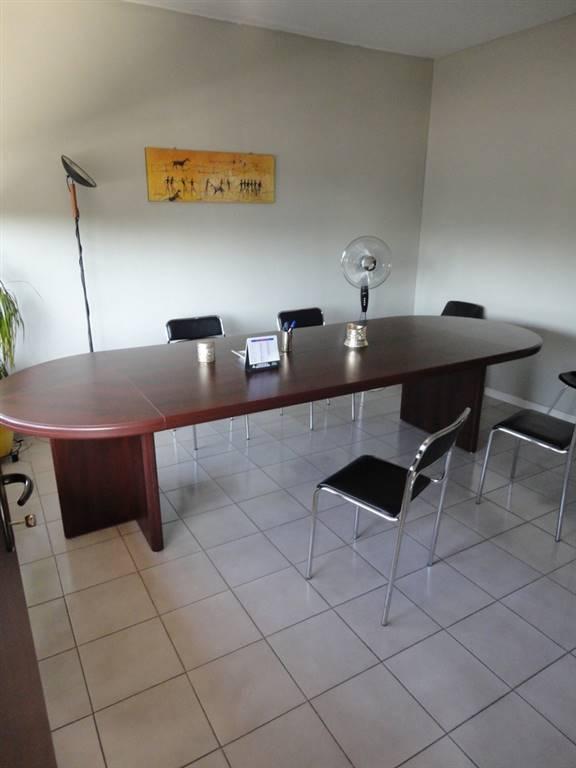 SAN PIERO, AGLIANA, Ufficio in affitto di 160 Mq, Buone condizioni, Riscaldamento Autonomo, Classe energetica: G, Epi: 23,7 kwh/m3 anno, posto al