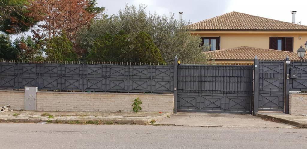 Villa, Carini, in ottime condizioni